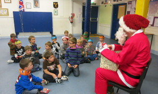 Beavers Christmas Party 2014 018